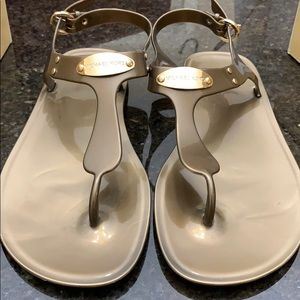 Michael Kors Jelly Thongs / Sandals, Bronze, sz 8